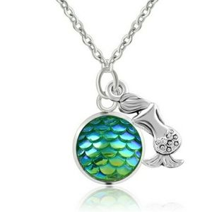 Mermaid fish scale green blue silver necklace NWT